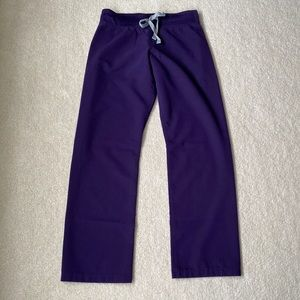 FIGS Petite Casma Livingston Purple Scrub Set